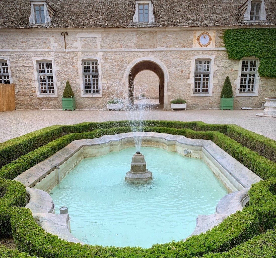Château de Pommard Courtyard - French Barge Vacations