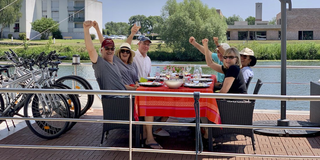 Have fun on a barge trip in Burgundy
