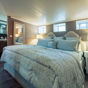 Grand Victoria luxurious stateroom en-suite French Barge Vacations